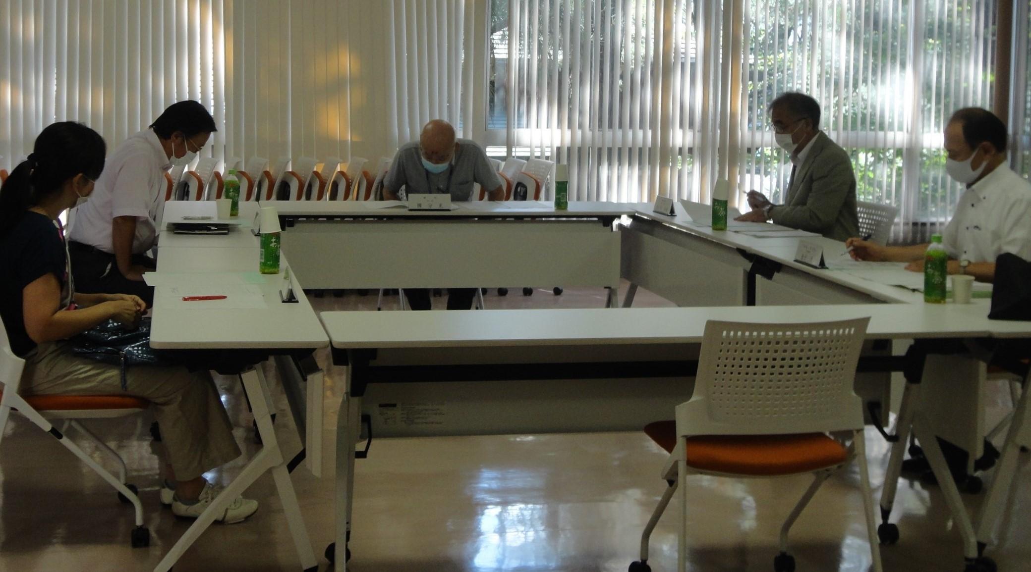 令和2年度「東京学芸大学学生後援会特別事業企画委員会」が開催されました。